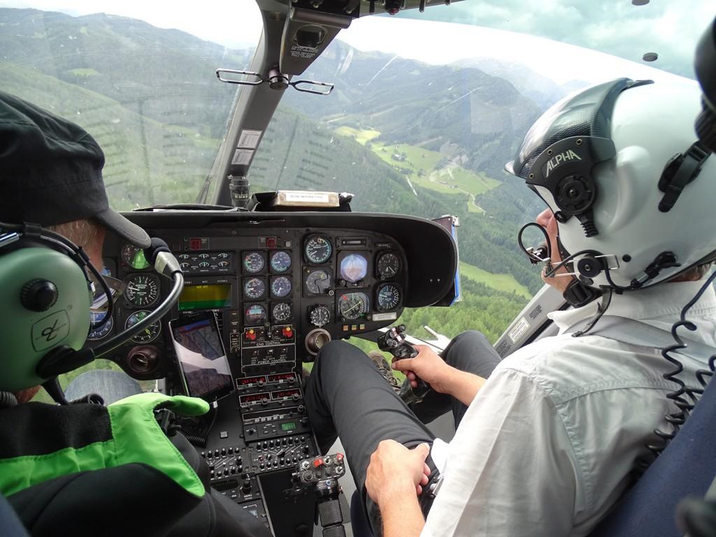 Hubschrauberflug zur Formel 1